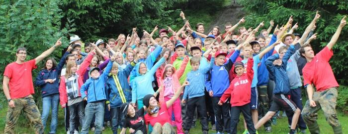 Das Gruppenbild des Zeltlagers 2013 auf dem Jugendzeltplatz Wacht in Bernau